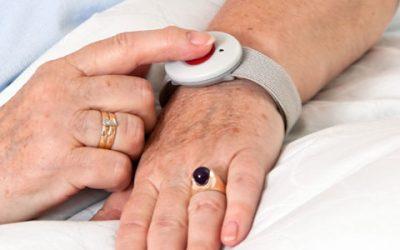 Présentation et utilisation d'un bracelet téléassistance à Saint Maur des fosses